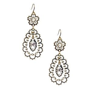 NEW Chloe & Isabel Pearl + Crystal Floral Earrings